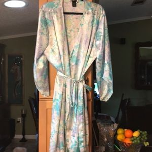 Other - Very silky robe